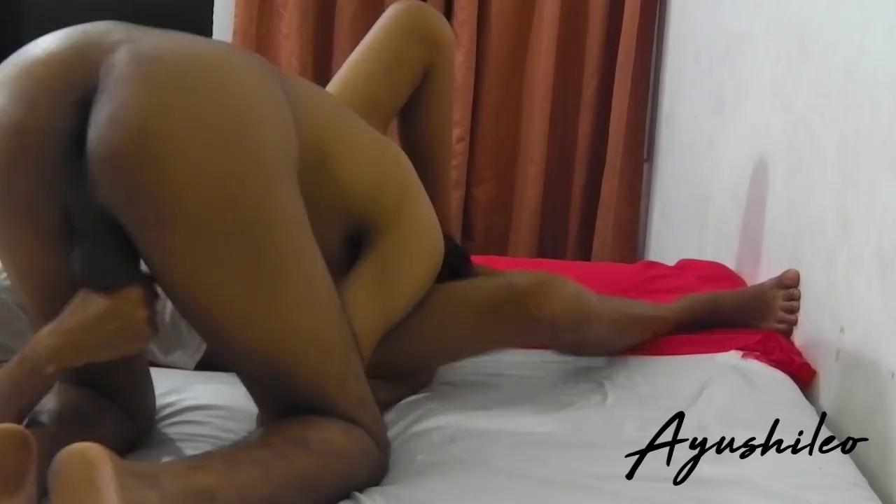 Boy licking her pussy while she giving handjob in sinhala beeg video