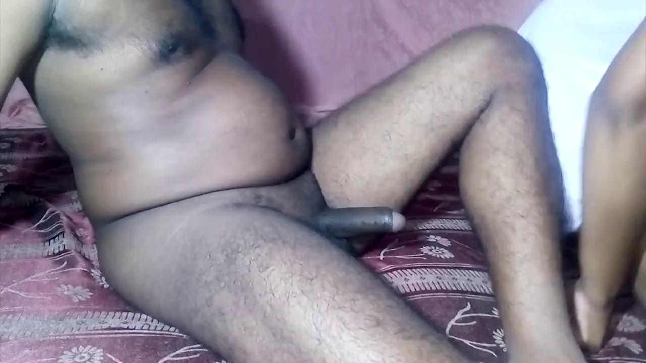 Boy likes to eat naked aunty pussy until she moaning